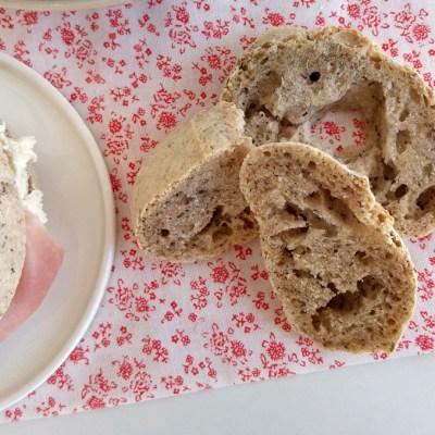 Panini senza glutine con farina Revolution e grano saraceno