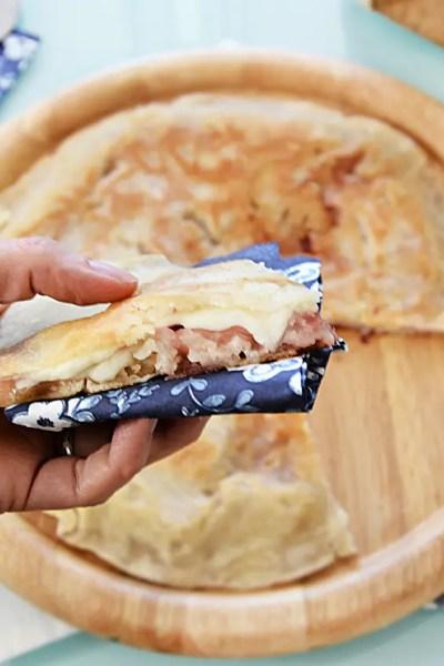 Pizza ripiena senza glutine in padella