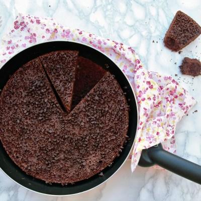 Torta senza glutine al cioccolato in padella