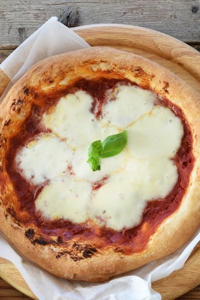Pizza con cornicione senza glutine