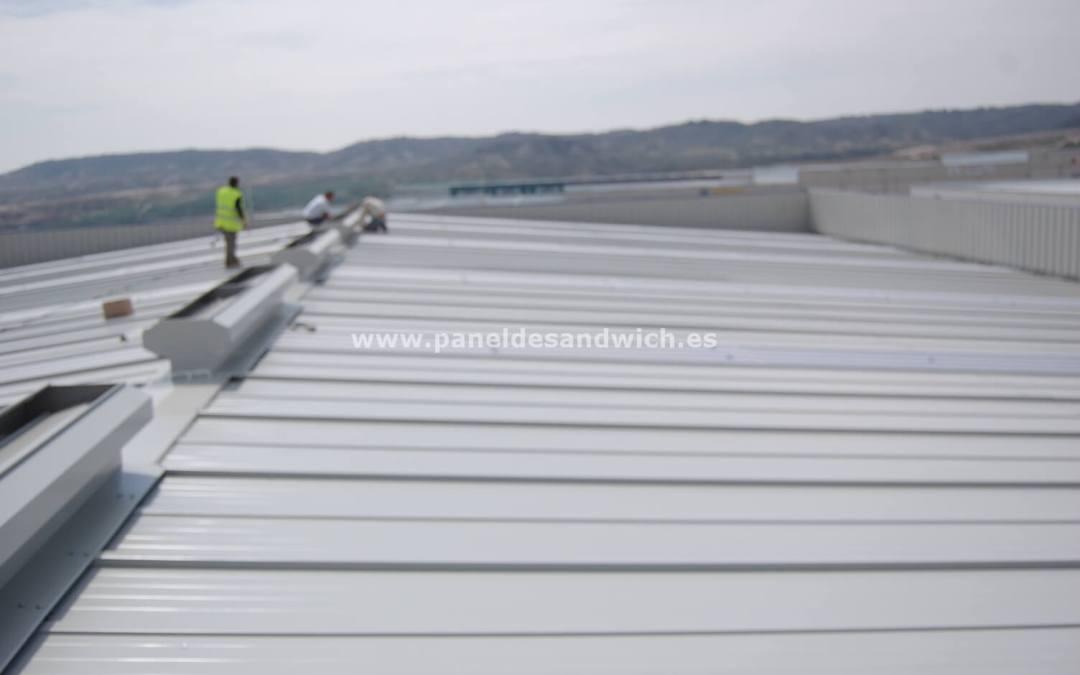 Renovación de una cubierta para tejados de Panel Sandwich Segunda Mano