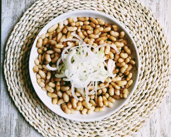 Ensalada de alubias y cebollas Insalata fagioli e cipolla