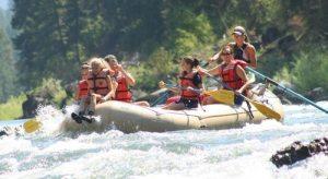 girls-in-raft