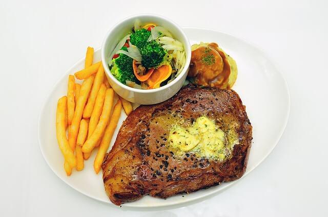 beda-steak-sirloin-dan-tenderloin