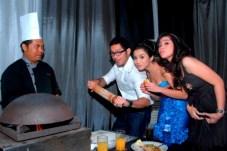 Evan Sander dan Chelsea Olivia dlm perayaan Diwali