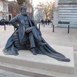 Charles Dickens – Martin Jennings