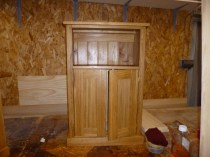 Oak -shaker doors- bookcase slott