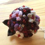 No.51 紫陽花のブローチ … ¥350 (綿布・絹布・ビーズ)(大きさ:直径約4.5cm)