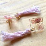 No.27 ピンクタッセル ピアス … ¥770 (サイズ:約5cm)(刺繍糸・スチール・レジン) (金属アレルギー非対応)