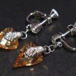 No.185 ハートスワロのイヤリング(ネジバネ式) … ¥1,580 (縦:2.5cm 重さ:左右3g)(金具・ジルコニア・スワロフスキー)