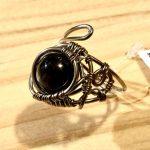 No.66 黒ヒスイのリング … ¥4,300 (チタンワイヤー・黒ヒスイ)(フリーサイズ)
