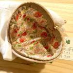No.137 いちごのミニポーチ(薄いピンク) … ¥1,200 (綿)(8.5cm x 11cm マチ3cm)