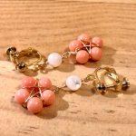 No.161 天然石の耳飾り … ¥1,100 (染めサンゴ・マザーオブパール)