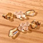 No.195-2 鈴丸ビーズのイヤリング … ¥1,000 (素材:アクリル・ガラス)