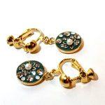 No.81 クリスタルクレイ&お花のイヤリング(グレー) … ¥1,800 (大きさ:全長3cm位) (グレー&ゴールド) (スワロフスキー・クリスタルクレイ・パールビーズ)