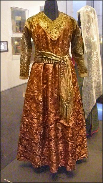 Нарядное платье еврейской женщины из Алжира, средина 19-го века