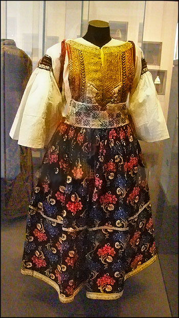 Одежда еврейской женщины, северо-восток Марокко