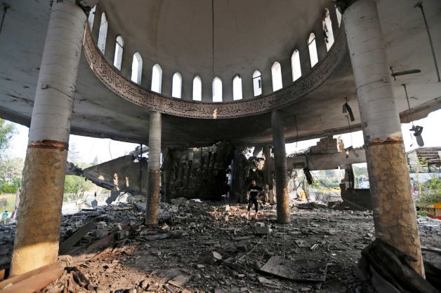 Masjid di Gaza dibom Zionis Israel 3