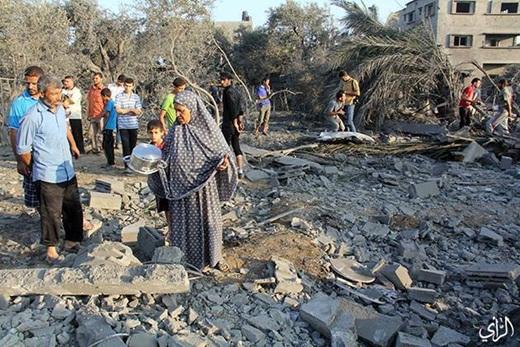 Warga Gaza Korban Serangan Membabi Buta Zionis Israel 8 Juli 2014 4