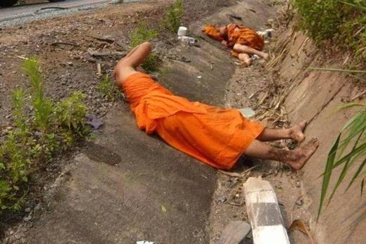 Brigade Mujahidin Asia Serang Bus Pengangkut Budhis Srilanka Pembantai Umat Islam 2