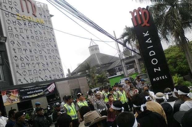 Sakiti Umat Islam, Muslim Bandung Protes Logo Hotel Zodiak yang Mirip Lafaz Allah Terbalik