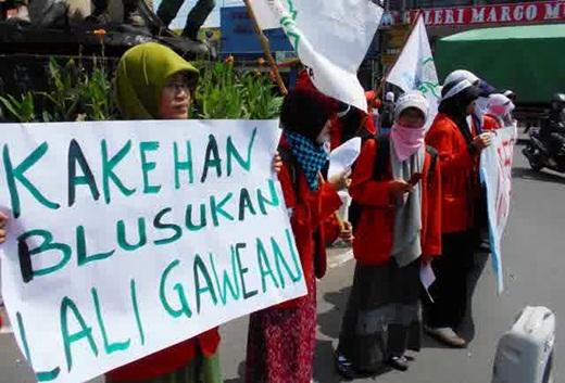 Jokowi Kakean Blusukan Lali Gawean