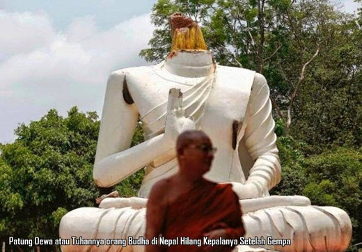Patung Dewa di Nepal