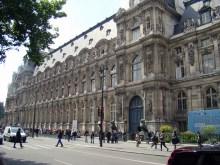 Hôtel de Ville- widok budynku od Rue de Lobau