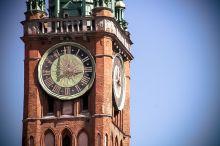 Zegar na wieży ratusza