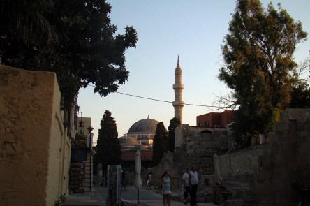 Miasto Rodos- w dali meczet Sulejmana