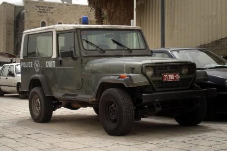 JEROZOLIMA- Plac pod Ścianą Płaczu- samochód policyjny