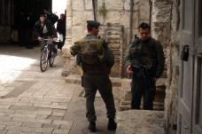JEROZOLIMA- Zaułki starego miasta- patrol wojskowy