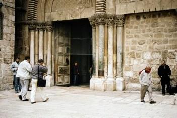 JEROZOLIMA- Bazylika Grobu- wejście do kościoła