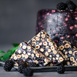 Luxury King Turkish Delight with Hazelnut and Blackberry (200 g.)
