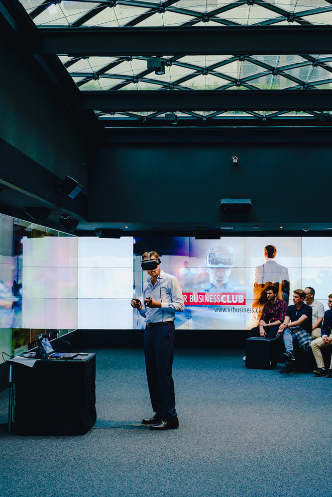 Oliver Autumn CEO VR Business Club using Oculus to demonstrate Facebook Space Virtual Space conferencing