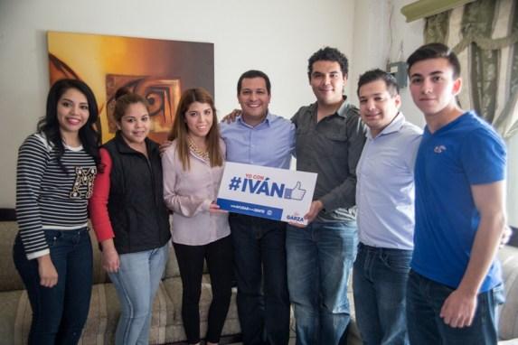 Iván Garza platicó con jóvenes panistas de Monterrey