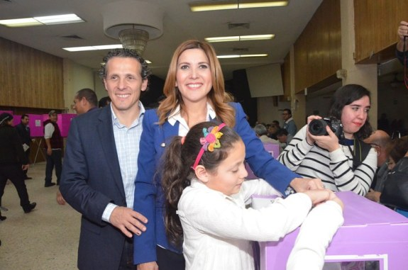 Margarita acudió con su familia a votar