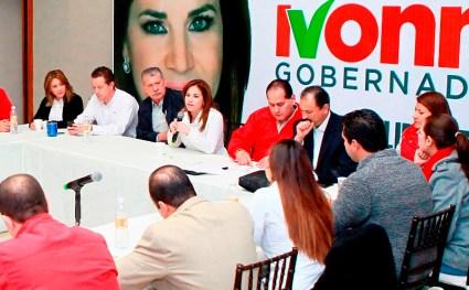 Ivonne Álvares se reunió con candidatos a diputaciones locales
