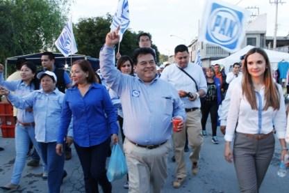 Reta Braulio Martínez a un debate a su opositor del PRI.