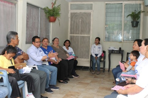 Promete impulsar el trabajo en Santa Catarina.