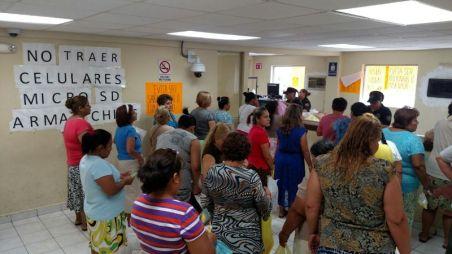 Familiares visitan a reos en el Penal del Topo Chico