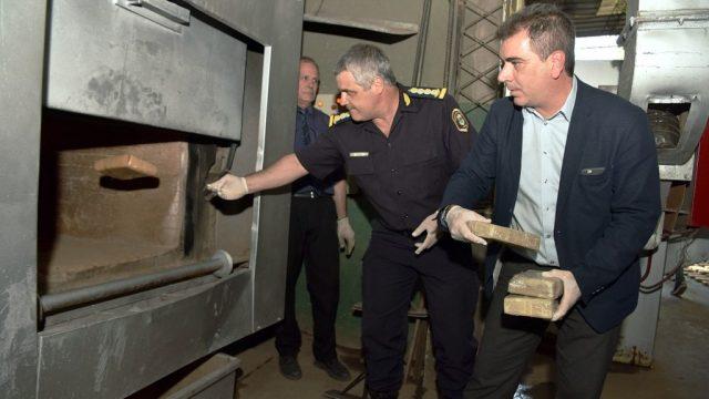 """""""El narcotráfico ya no cuenta con garantías"""", dijo Ritondo en la quema de casi 450 kilos de droga"""
