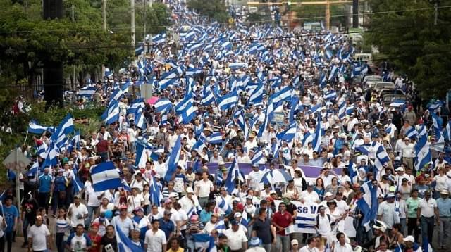 Miles de personas marcharon en Nicaragua para pedir democracia