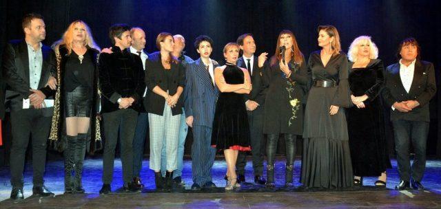 Reinauguró el histórico Teatro Seminari de Escobar con Elenora Cassano