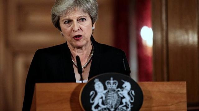 """Theresa May evalúa convocar elecciones anticipadas en noviembre, según """"The Times"""""""