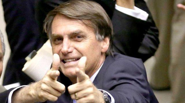 Bolsonaro promete mantener independencia del banco central de Brasil para fijar los tipos