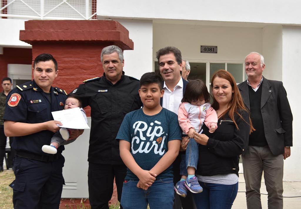 Ritondo participó de la entrega de viviendas destinadas a policías en La Matanza