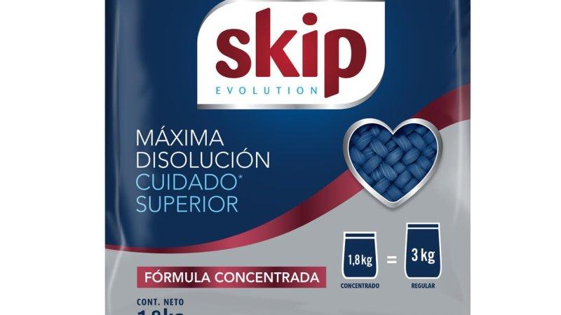 SKIP EVOLUTION una nueva fórmula concentrada al 40% que permite usar menos producto, cuidando más la ropa y el medioambiente
