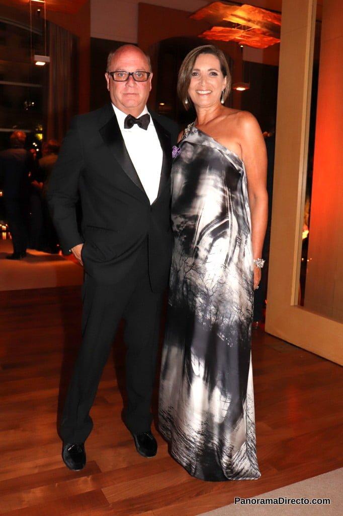 Martín Cabrales y Dora Sánchez en la gala del Hospital Austral