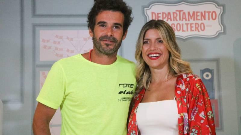 Nicolás Cabré y Laurita Fernández en el Teatro América de Mar del Plata